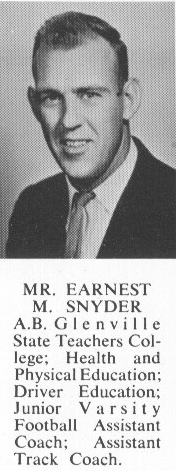 Ernest M. 'Mike' <b>SNYDER</b> - 1960 Class Photo